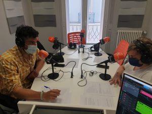 Iris y Pedro Soriano en Frecuencia Enfermera grabando el podcast de ffpaciente